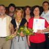 Certificat d'excellence remis à Gisèle Viau de l'école Le Tournesol
