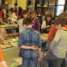 Échange de livres à l'école Jacques-De Chambly