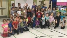 Kim Saint-Pierre en visite à l'école De Salaberry