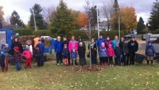 Plantation d'arbres à l'école Monseigneur-Gilles-Gervais