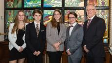 Participation d'élèves de l'École d'éducation internationale à l'Assemblée nationale