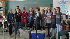 Des élèves de l'école du Grand-Chêne lancent le vidéoclip « Ça parait pire dans ma caboche »