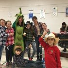 Paniers de légumes biologiques à l'école Père-Marquette