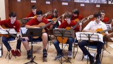 Des guitaristes de l'école secondaire du Grand-Coteau participent aux Journées de la culture