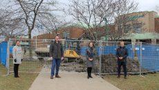 Première pelletée de terre des travaux d'agrandissement de l'école secondaire de Chambly