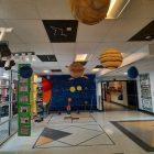 Exposition sur le système solaire à l'école de la Mosaïque